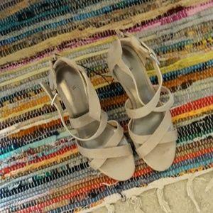 NEW Tan Worthington Heels Size 10